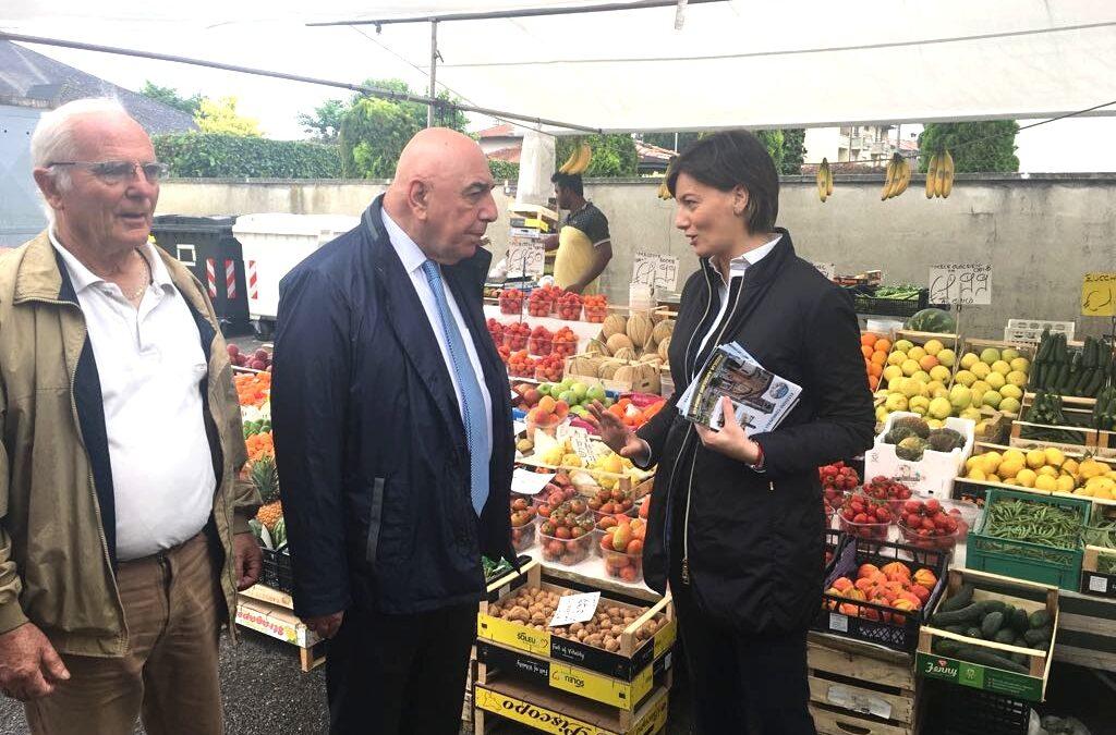 Galliani, Comi e Palumbo al mercato per sostenere Angelino